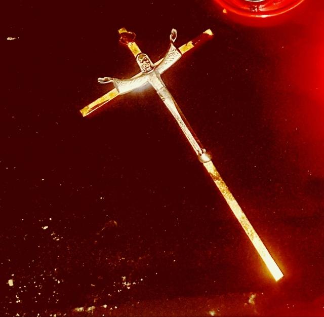 crucifix2.jpg