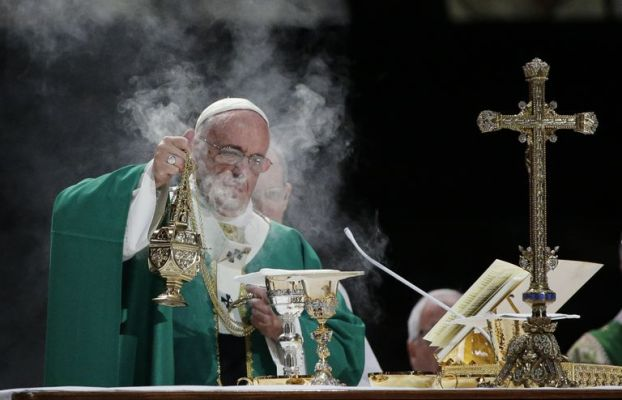 liturgy-gettyimages-490036728-56a14a253df78cf772693985